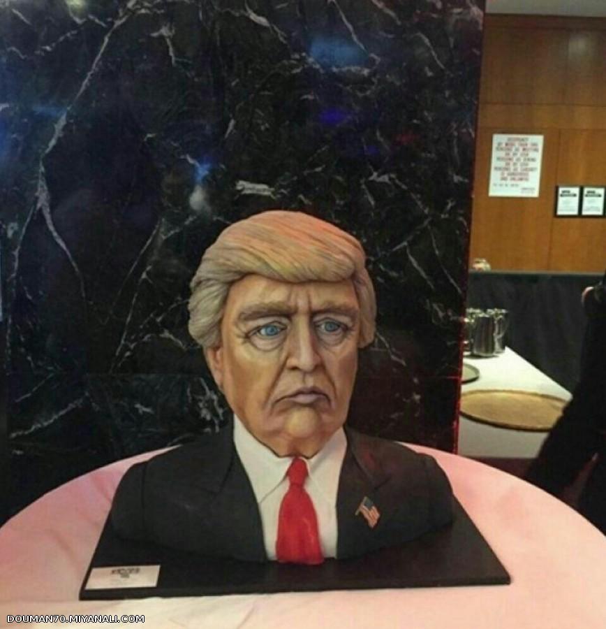 آماده سازی کیک 7 هزار دلاری برای جشن پیروزی ترامپ در برج ترامپ در نیویورک!!