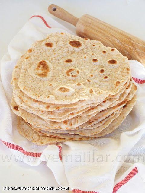 نان محلی تازه تهیه شده با شیر و روغن حیوانی