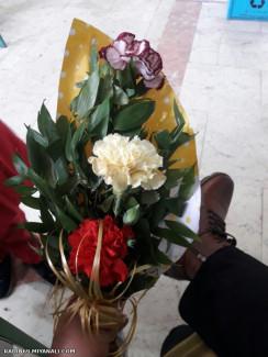 قابل توجه رز سفید ...دسته گل بدونمناسبت ...دیکه تا اخرش برو ببین چمعلمی دارن